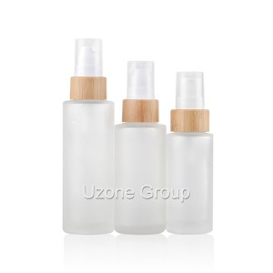 Clear frosted glass bottle with bamboo collar pump/sprayer